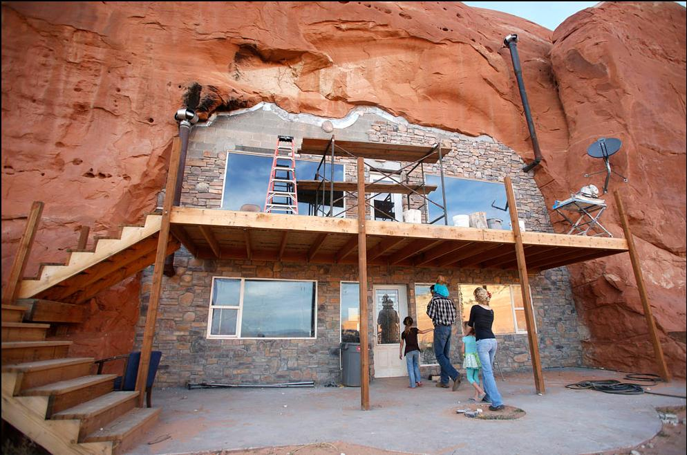 Man Caves Utah : Cave houses around the world solar home